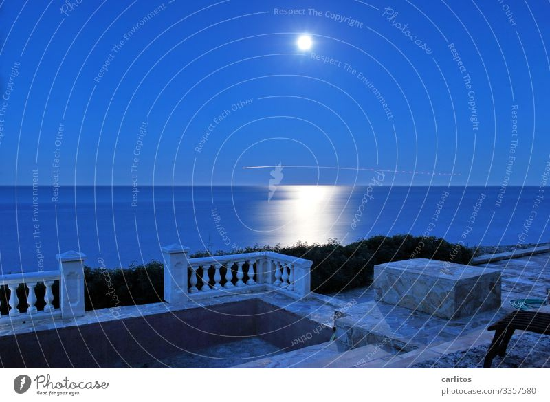 do the Englishmen wave... Spain Balearic Islands Majorca Ocean Full  moon Night Blue Airplane Tracer path Reflection Light (Natural Phenomenon) Lighting effect