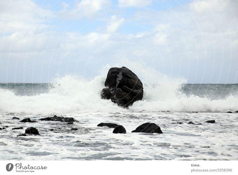Continuous sound reinforcement Environment Nature Landscape Elements Water Sky Clouds Horizon Rock Waves Coast Ocean Atlantic Ocean White crest Maritime Power