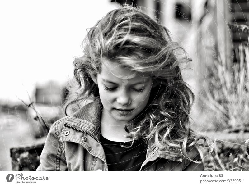 Child Human being Beautiful Girl Face Happy Freedom Hair and hairstyles Fresh Blonde Infancy Cool (slang) Jacket Long-haired Curl