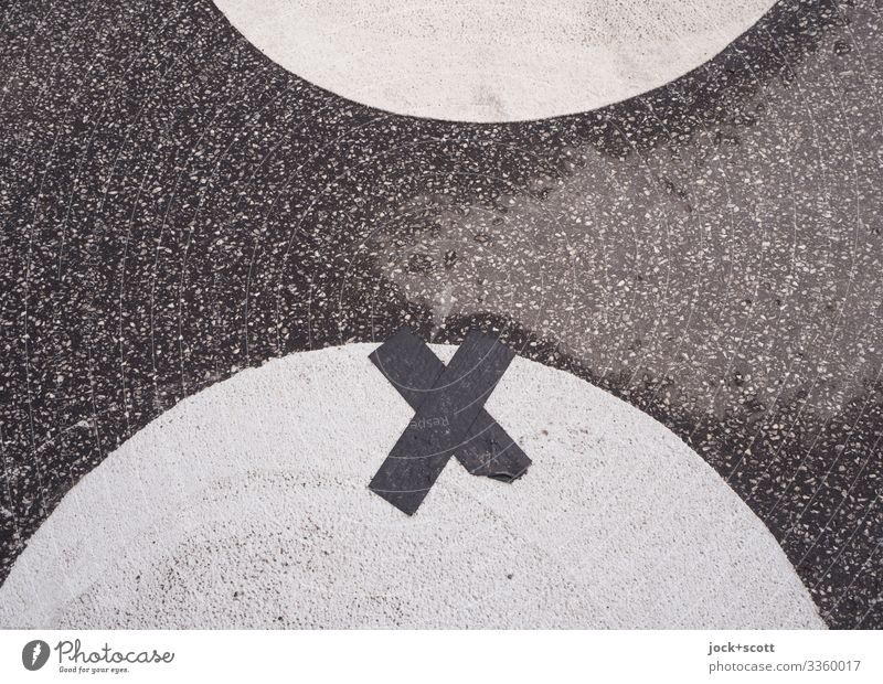 mark with a cross on the circle Places Adhesive tape Sign Crucifix Stripe Cross Semicircle Simple Under Accuracy Center point Puzzle Symmetry Target