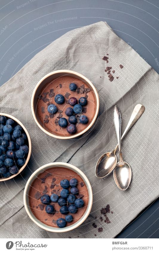 Blueberry treat Food Dessert Candy Chocolate Nutrition Banquet Slow food Crockery Bowl Spoon Beautiful Delicious Sweet Brown Joy Contentment Anticipation