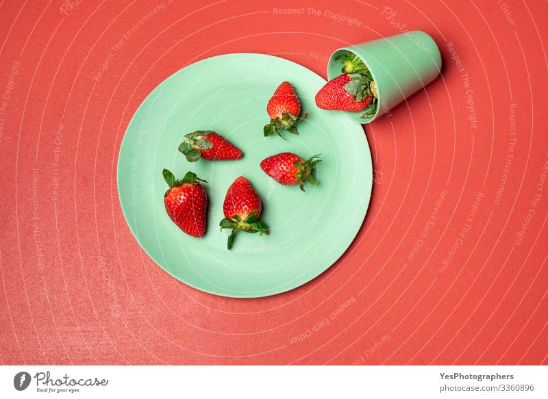 Harvested strawberry in green glass on red table Food Fruit Dessert Candy Nutrition Eating Breakfast Organic produce Crockery Plate Glass Delicious Natural