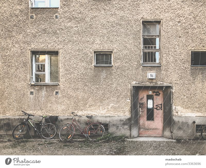 Town House (Residential Structure) Window Architecture Berlin Building Facade Living or residing Flat (apartment) Door Gloomy Poverty Transience Broken Past