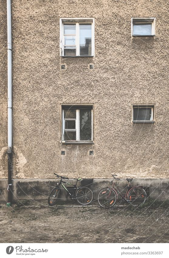 Town House (Residential Structure) Window Architecture Life Berlin Building Facade Living or residing Flat (apartment) Bicycle Dirty Poverty Transience Broken