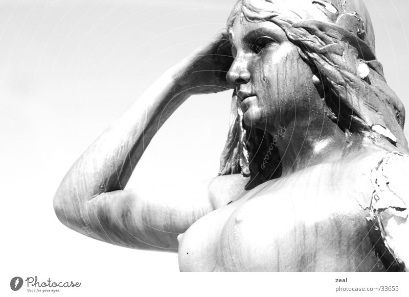 """<font color=""""#ffff00"""">-==- proudly presents Statue Looking High-key Craft (trade) Woman Portrait photograph Old"""