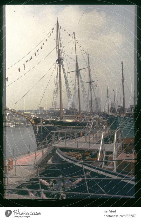 london port Europe Great Britain England Port Schooner Sailing ship Electrical equipment Technology Harbour painter's corner Museum