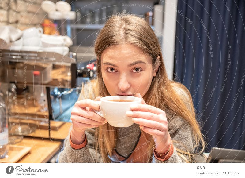 Tea Fairy Breakfast To have a coffee Beverage Drinking Hot drink Cup Feminine Young woman Youth (Young adults) Adults 1 Human being 18 - 30 years Culture