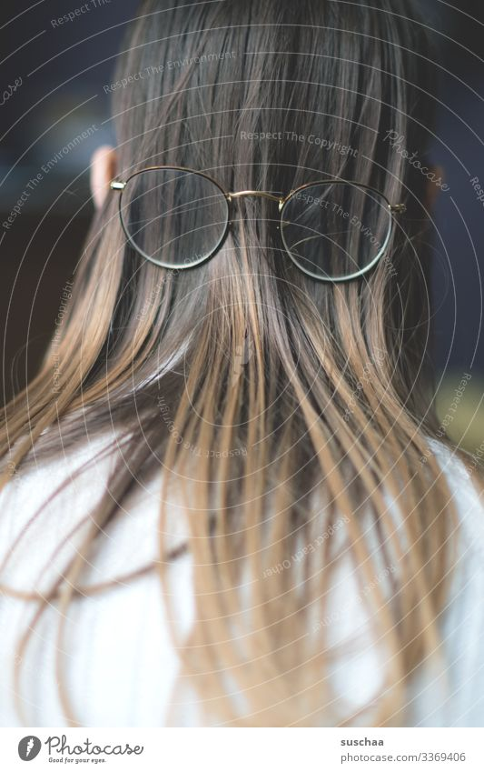 upside down (2) Head Hair and hairstyles Long-haired Back of the head Eyeglasses Ear Rear view fine hair Shallow depth of field Absurdity Joke visually impaired