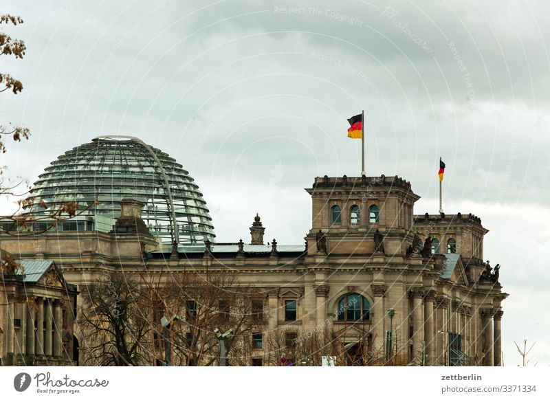 Reichstag from the east Evening Architecture Berlin City Germany German Flag Twilight Worm's-eye view Capital city House (Residential Structure) Sky Heaven