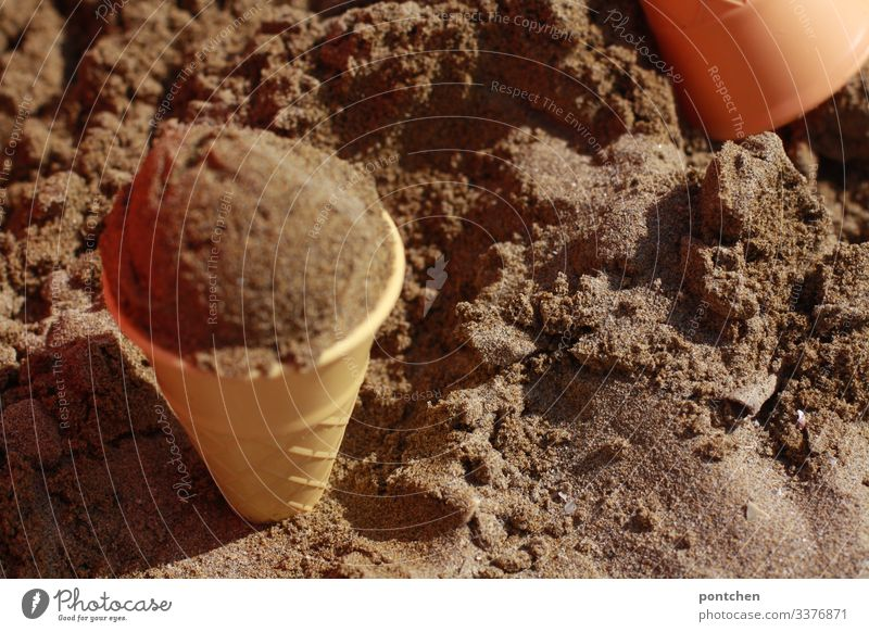 Ice ball of sand in sand moulds Playing Deception Sand vacation Beach sand mold Toys ice-cream cone plastic Ice cream ball Infancy fun Summer Exterior shot