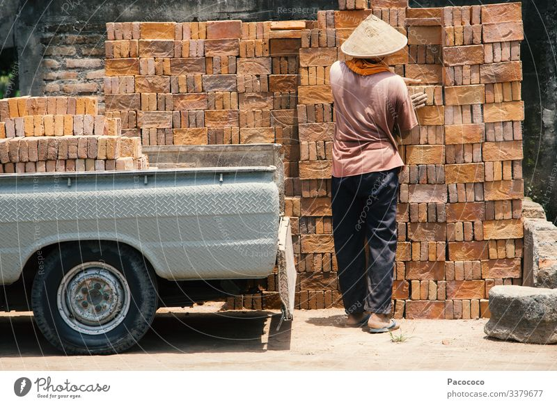 The Brick Man Work and employment Craftsperson Construction site Factory Logistics Craft (trade) Human being Masculine Adults Body Back Arm Bottom Legs Feet 1