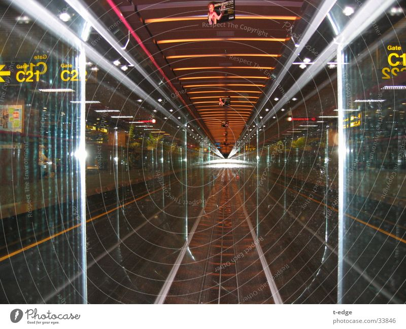 runway Escalator Reflection Internet Transport Sigapur Movement Airport