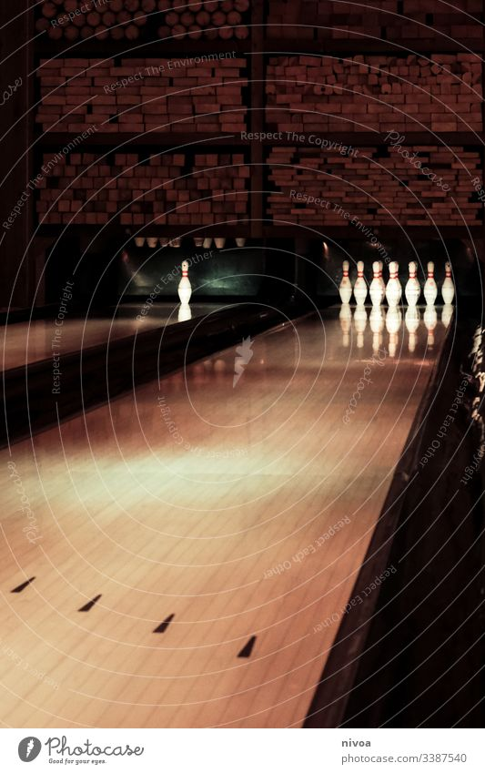 bowling alley Bowling alley Bowling ball Indoors hobby Leisure and hobbies Playing Sports Sphere Nine-pin bowling Joy Sporting event Concentrate Throw