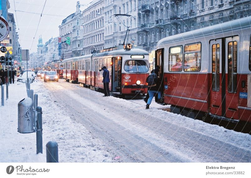 Tram snow chaos in Vienna Chaos Winter Snow Alserstrasse