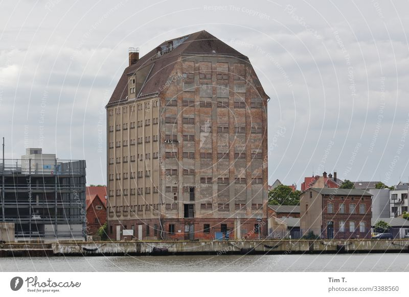Stralsund Storehouse Harbour Colour photo Exterior shot Town House (Residential Structure) Building Architecture Day Deserted Manmade structures Port City