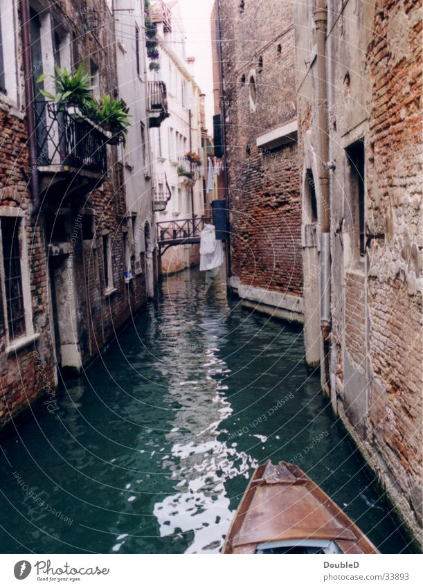 Water Old Europe Romance Historic Decline Narrow Sightseeing Venice Channel Gondola (Boat) Boating trip City trip Gracht Historic Buildings