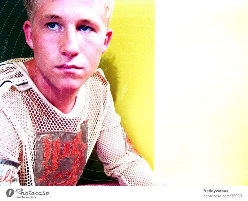 bobble*4 Yellow Man Face T-shirt Fashion