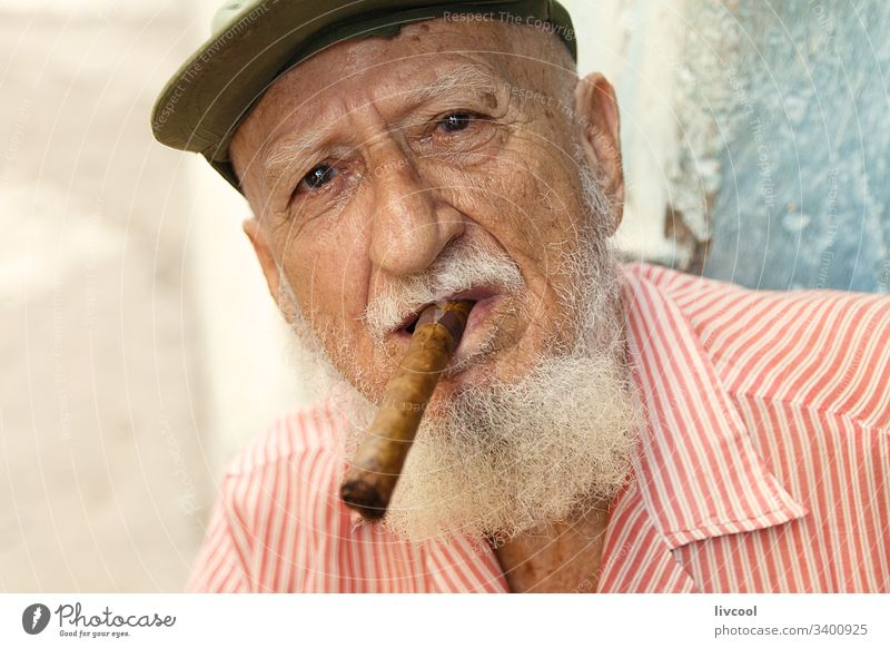 grandfather smoking II , cuba ancient hat cigar cap bonnet smiling beard man people portrait grizzly havana la habana caribbean island street smile old man