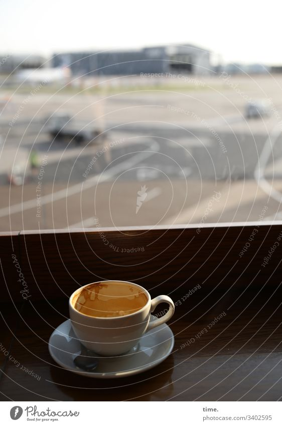 All airplanes stand still because the virus wants them to | climate change Airport Manchester Coffee capucchino Rack Beverage Cup milk foam terminal Runway