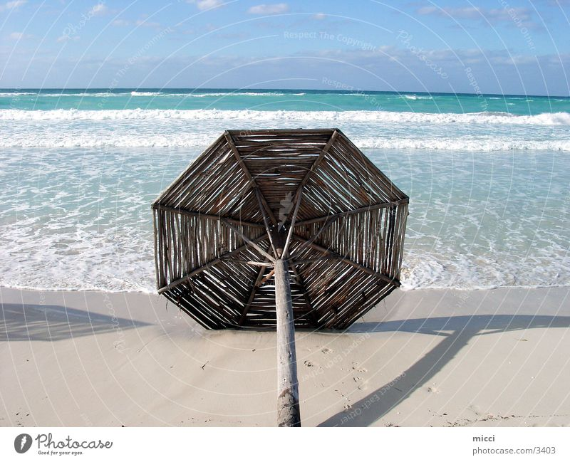 parasol Ocean Beach Vacation & Travel Cuba Sunshade Wooden umbrella Waves