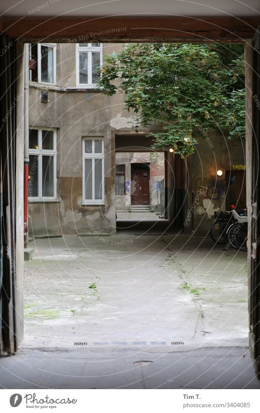 Berlin Prenzlauer Berg Exterior shot Town Downtown Capital city Old town Deserted Day Colour photo House (Residential Structure) Window Living or residing