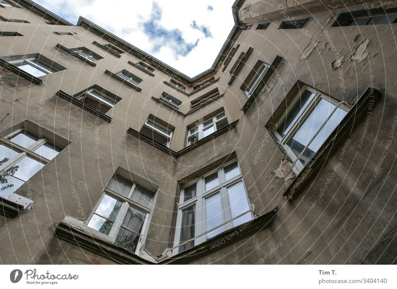 Backyard Berlin House (Residential Structure) Town Window Exterior shot Deserted Downtown Facade Living or residing Wall (building) Courtyard Apartment Building