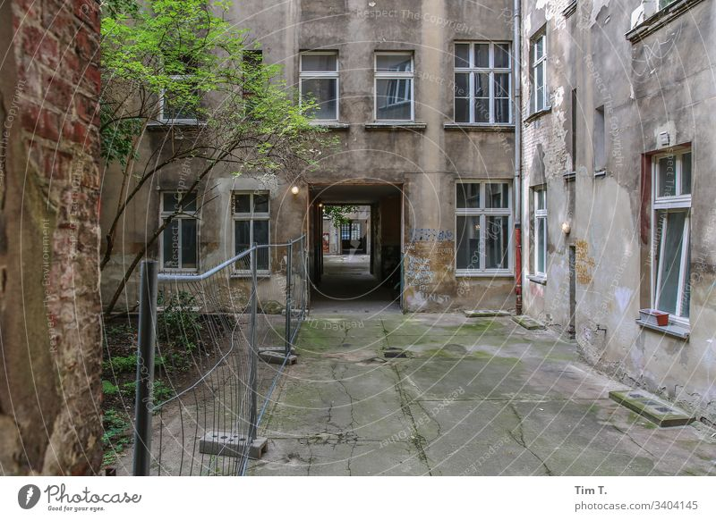 Backyard Berlin Prenzlauer Berg Exterior shot House (Residential Structure) Deserted Old town Day Capital city Window Colour photo Living or residing Building
