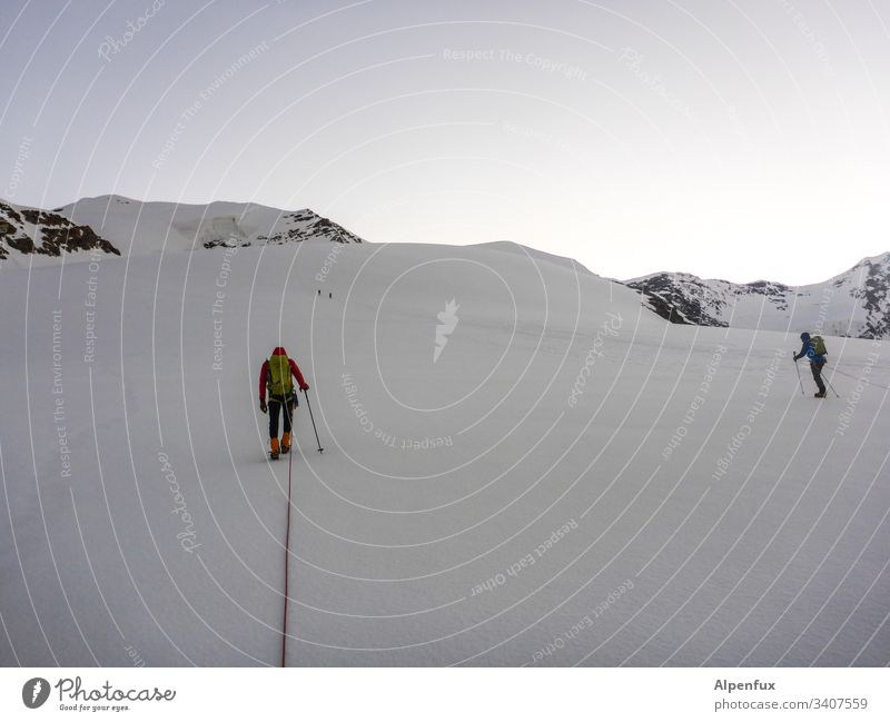 Keep distance in a|rope shaft Brave Snow Adventure Exterior shot Colour photo Mountain Nature Landscape Panorama (View) Mountaineer Mountaineering Success