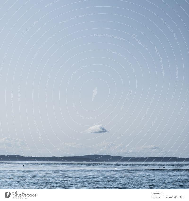 Kleine Wolke Meer Ozean Wasser Küste Berge Landschaft Natur wellen Himmel Urlaub