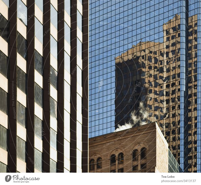 Building in the big city City Boston Reflection Architecture High-rise Manmade structures Glass Downtown Colour photo Exterior shot Window Modern