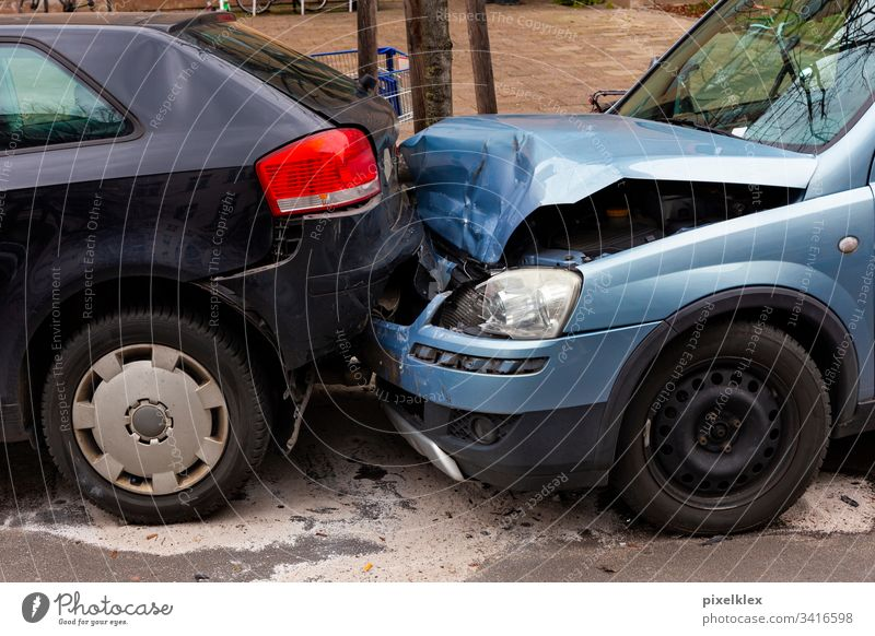 Rear-end collision Car involved in an accident car Accident Damage Tin Bodywork damage Tailgate accident Insurance insurance claim Law Traffic accident