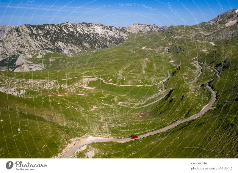 Durmitor Nationlapark Roadtrip Street road trip bulli VW T6 vw bus Montenegro durmitor Meadow Mountain UAV view Aerial photograph hilly Travel photography