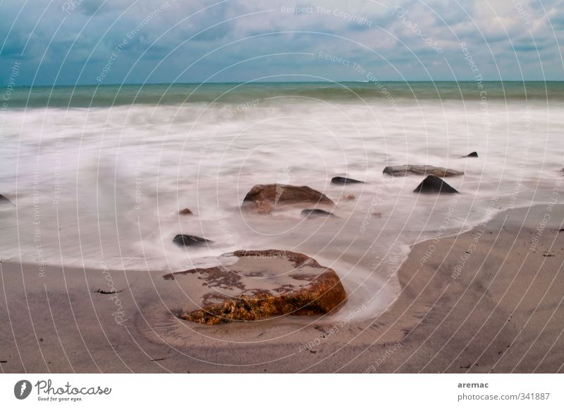 morning bath Beach Ocean Waves Nature Sand Calm Movement Brittany Colour photo Exterior shot Deserted Morning Dawn Long exposure Motion blur Central perspective