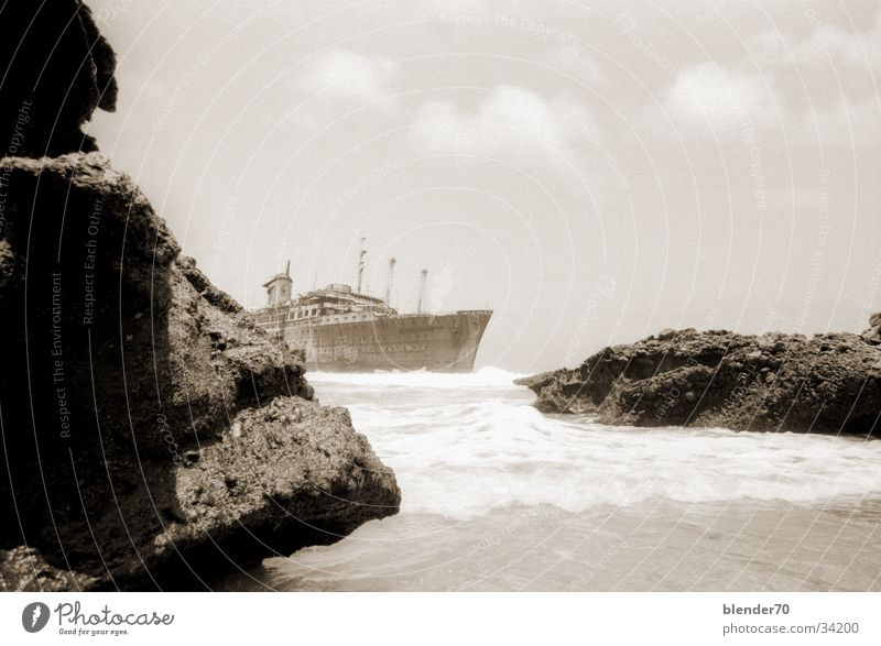 American Star in the Fog Watercraft Decompose Fuerteventura Canaries Historic ghost ship titanic Rock