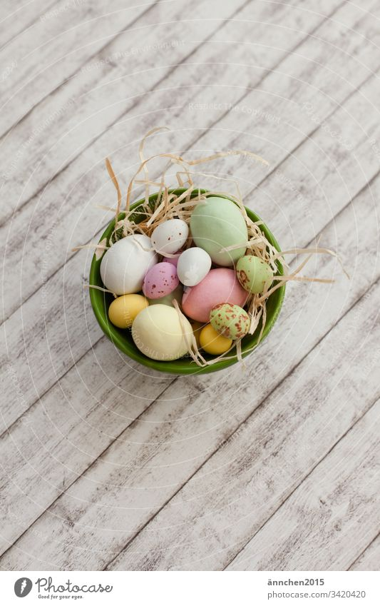 Easter nest Spring Egg eggs Chocolate Sweet Easter egg Decoration Multicoloured Food Tradition Feasts & Celebrations Easter egg nest Nature Nest Interior shot