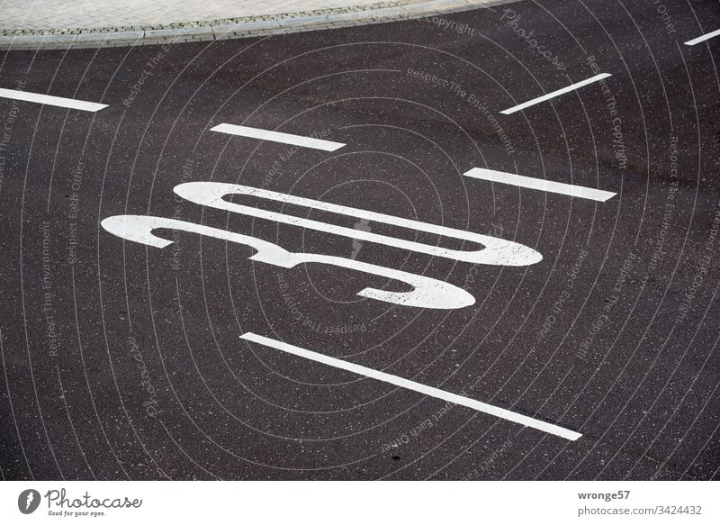 Road markings Speed 30 on the road Lane markings Traffic lane Street Road traffic Markings Signs and labeling Asphalt Transport Traffic infrastructure Line