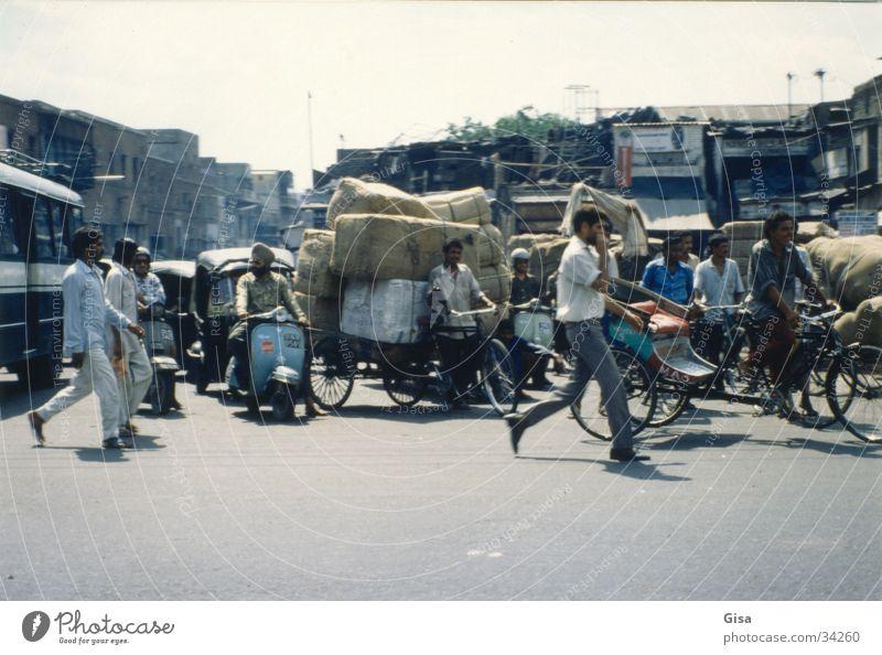 Bicycle Transport Logistics India Chaos Package Crash Delhi