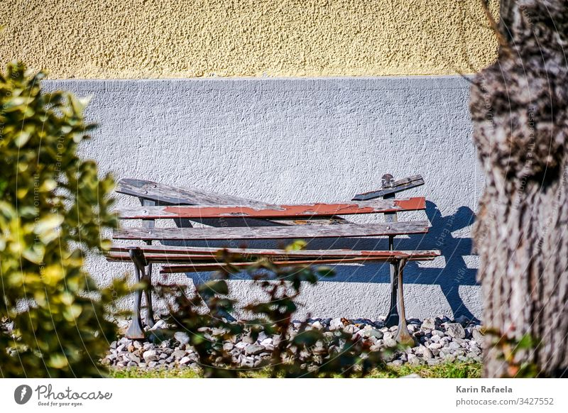 Broken bench in sunshine Bench Sunlight Wooden bench Colour photo Exterior shot Deserted Break Seating Relaxation Calm Day Light