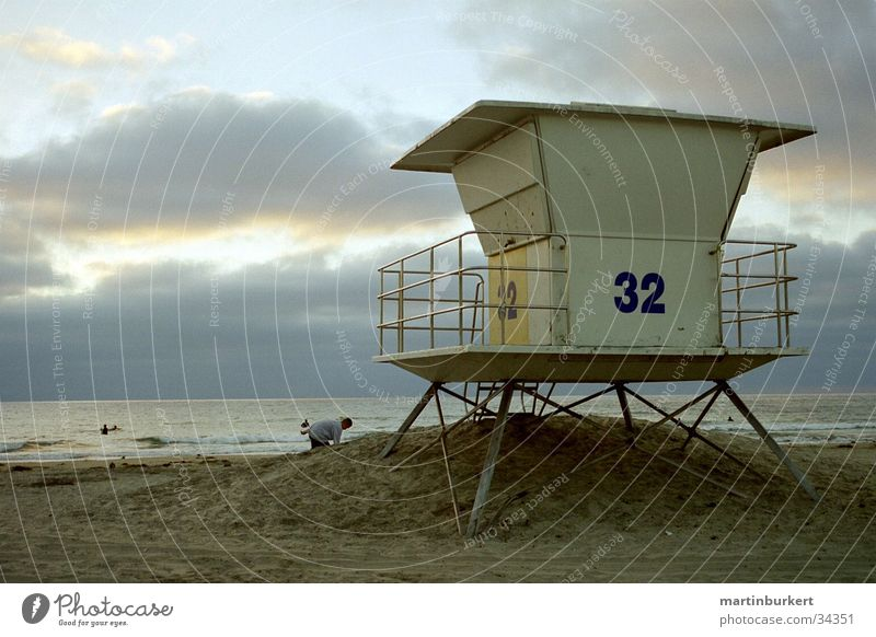 Lifeguard Tower Station Beach Vancouver bath attendant Sand 32 Bay watch Sandy beach Hunting Blind Pile-dwelling Dusk Architecture Water Ocean Coast Horizon