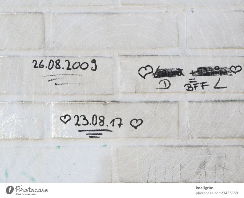 Best Friends Forever Graffiti on white painted brick wall Communicate Heart Characters Wall (barrier) Wall (building) Exterior shot Sign Romance Love Emotions
