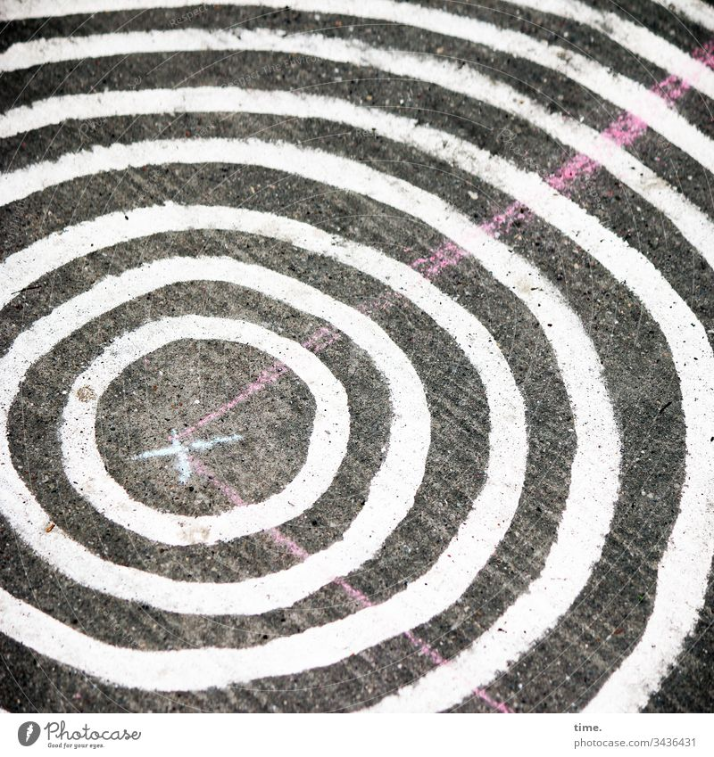 roundabout Bird's-eye view Floor covering Art Surprise unusual walkway Stripe lines Design Circle Playground Concrete Crucifix White pink Round structure