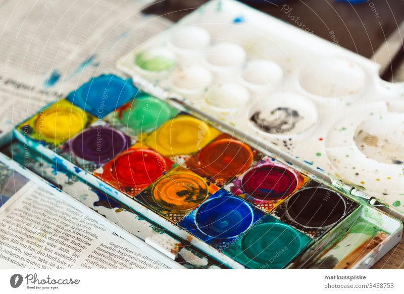 Watercolours Paintbox Painting (action, artwork) Draw creatively Creativity art education variegated