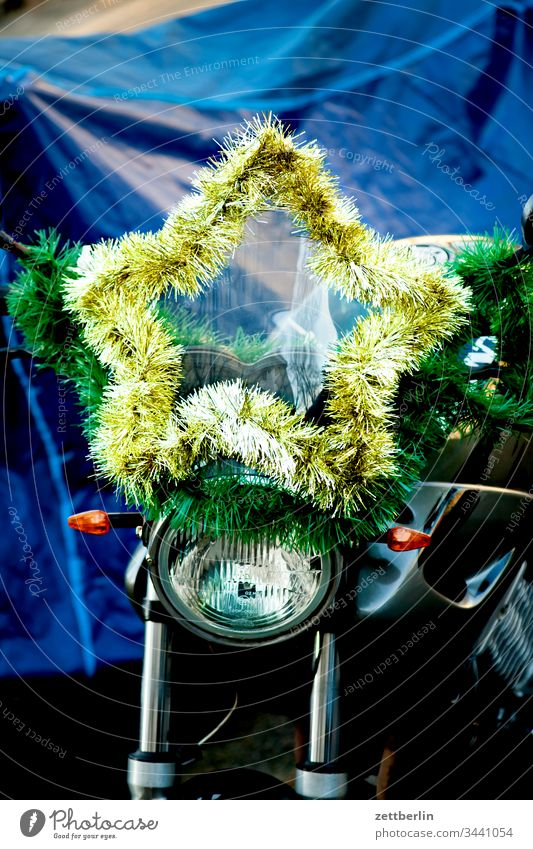 star Advent on the outside decoration Decoration Fringe Glitter Deserted moped Motorcycle Floodlight Stars Copy Space Christmas christmas time Christmas star