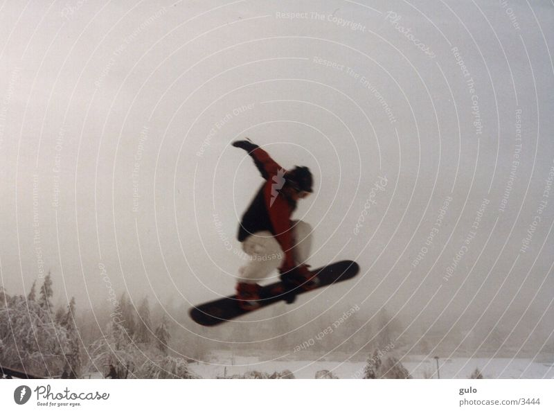 Winter Mountain Snow Sports Jump Fog Tall Posture Snowboard Talented Snowboarding Snowboarder