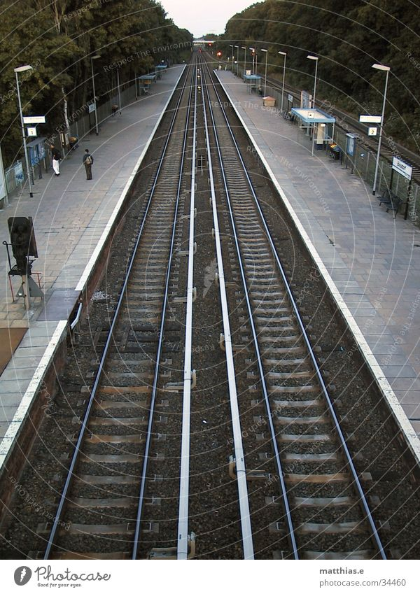 Human being Berlin Lanes & trails Wait Transport Railroad Perspective Railroad tracks Train station Commuter trains Platform Vanishing point