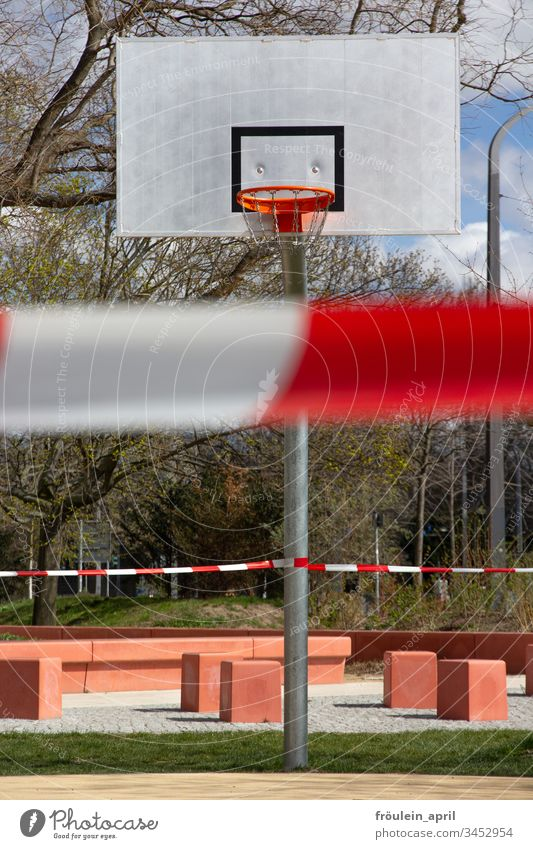 cordoned-off basketball court Sporting grounds Public Corona virus Precuation Risk of infection coronavirus Protection Infection Quarantine COVID prevention