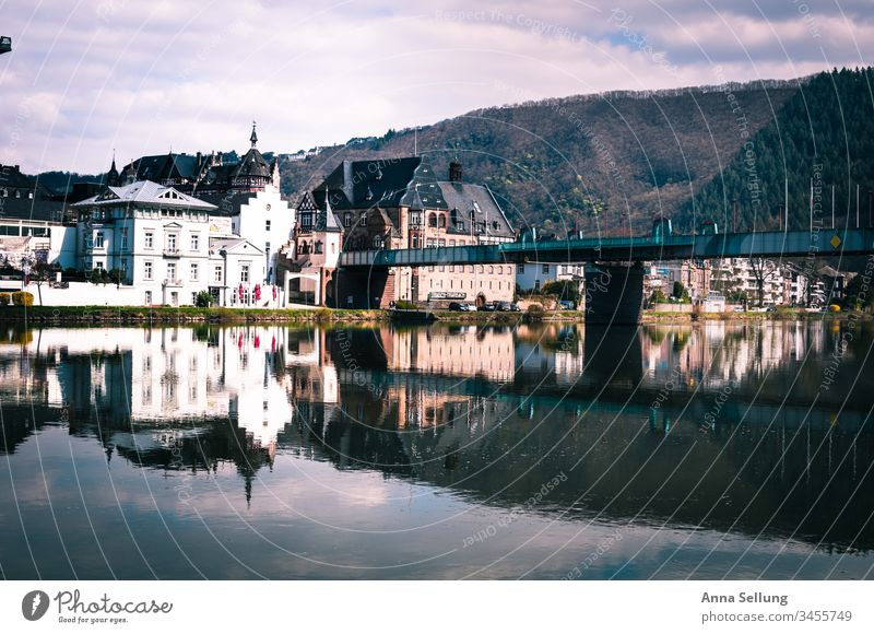City on the banks of the Moselle with bridge connection, Spieglung Mosel (wine-growing area) Germany Traben-Trabach Town location Bridge Beautiful weather