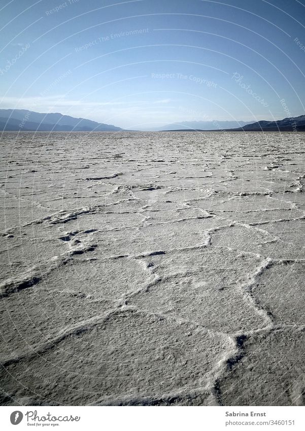 Beautiful salt landscape at Badwater Basin Death Valley badwater basin death valley salty panorama horizon desert sky mountains roadtrip america Salz salzig