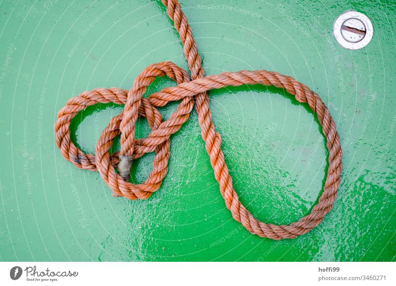 Rope on green ground Dew noose Ferry boat boat deck fix Maritime Navigation Water Close-up Fishing boat Harbour Watercraft Yacht harbour Round Bird's-eye view