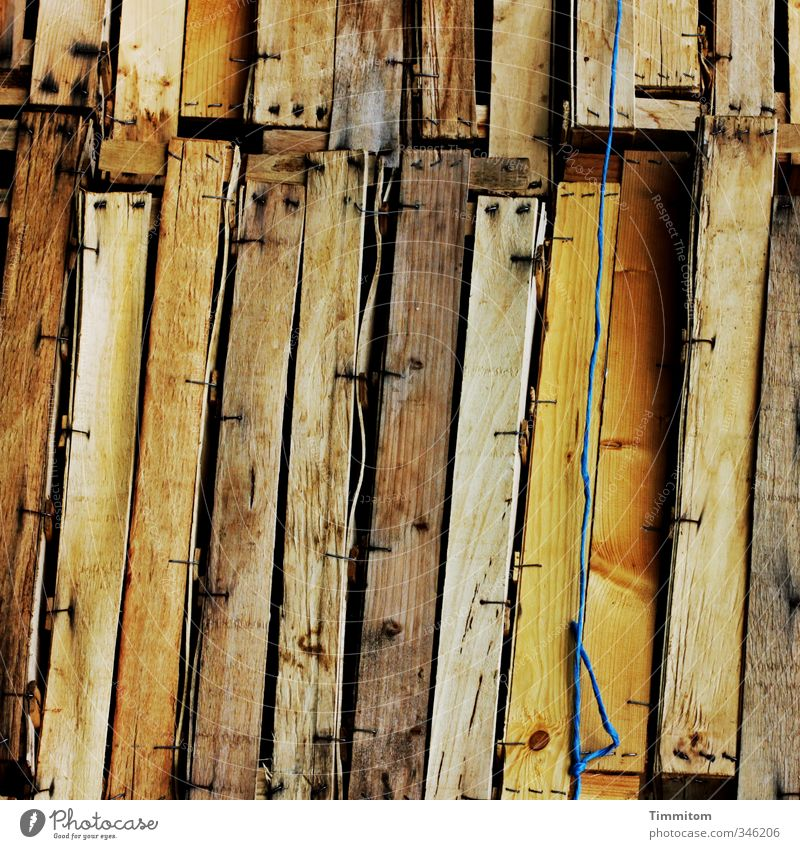 Blue Emotions Wood Brown Empty Esthetic Simple Curiosity Sharp-edged Wire Accumulation Nail Wooden box